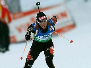 Андреа Хенкель победила в первом масс-старте сезона