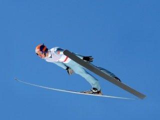 Австрийские прыгуны на лыжах с трамплина выиграли командные соревнования на Чемпионате мира