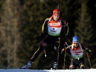 В мужской спринтерской гонке победу праздновал немецкий биатлонист Арнд Пайффер