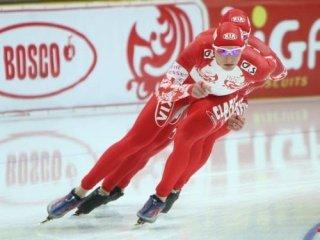 В командных гонках наши конькобежцы остались без медалей