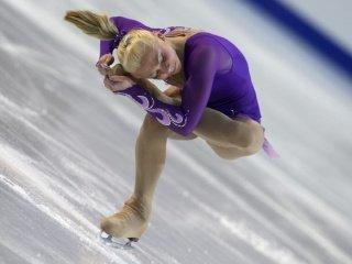 После короткой программы Ксения Макарова - 3-я, Алёна Леонова - 5-я.