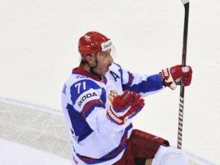 Российские хоккеисты обыграли сборную Канады со счетом 2-1 и вышли в полуфинал чемпионата мира