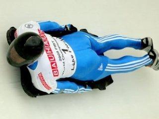 Александр Третьяков выиграл серебро на первом этапе Кубка мира по бобслею и скелетону
