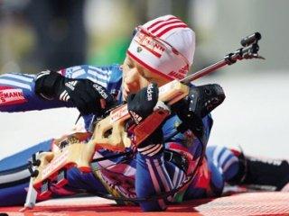 Ольга Зайцева выиграла спринтерскую гонку на третьем этапе Кубка мира по биатлону