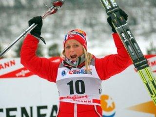 Тереза Йохауг выиграла женский скиатлон на 15 км