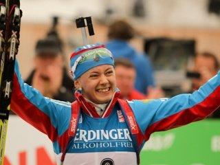 Дарья Домрачева выиграла женский персьют на чемпионате мира в Рупольдинге, Ольга Вилухина - третья