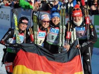 Сборная Германии выиграла женскую эстафету на чемпионате мира по биатлону