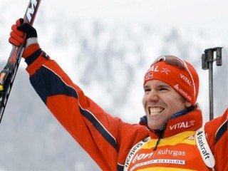 Эмиль-Хегле Свендсен выиграл золото в гонке преследования, Евгений Гараничев - четвертый